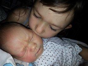 Спи, мой мальчик маленький, спи, мой брат...