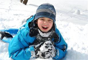 Снег на шапке,снег на куртке,снег в перчатках и...