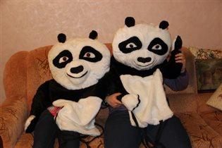 Она панда хорошо, а две лучше!