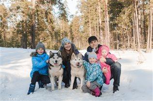 Семейный зимний портрет