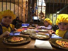 Мастер-классы для детей в кафе 'Кусочки' на Шаболовке