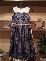 Новое платье р—146 цена 2600