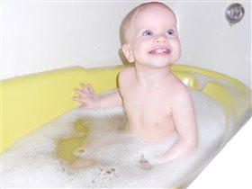 Веселое купание-хороший способ успокоить ребенка