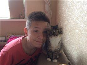 Если нет у вас кота, кого вы любите тогда??))
