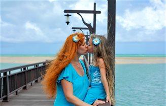 целуйте детей! :) воспитывайте их в любви!
