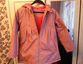 Куртка на рост 140-146. Цена 400р