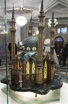 Драгоценный макет мечети