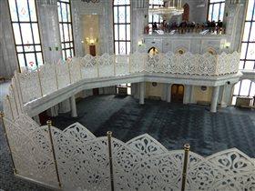 Молельный зал мечети Кул Шариф
