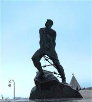 Памятник Мусе Джалилю у стен Кремля