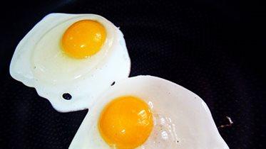 Яйца, маргарин и орехи исключены из «черного списка» продуктов