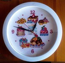 Часы со сладостями
