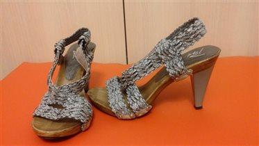 Босоножки на каблуке, 36 размер. Цена 100 руб