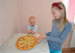 Наша пицца удалась.Приятного аппетита!