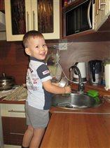 Моем посуду с удовольствием)))
