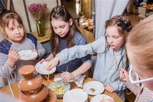 День детей в ресторане Food Embassy: бесплатный фуршет и квест для малышей