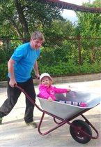 В игре с любимым папой  и тачка - кабриолет!