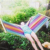 Отдых на радуге в перерыве между работой в саду)