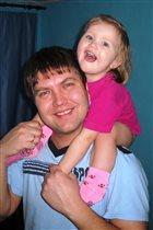 Папа с дочкой - веселая парочка!