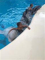 Аня, Надя и дельфины. Лето 2016