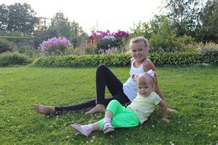 Две Мега-весёлые сестрёнки-хохотушки!