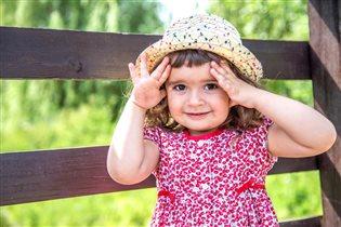 Очаровашка в шляпке