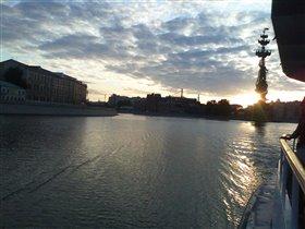Рассвет над Москвой-рекой.