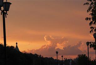 небо вечернего города