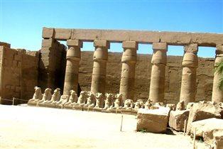 Стены храма 'Карнак'