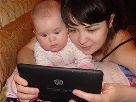 смотрим мультик через интернет на планшете