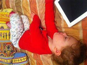 спят усталые игрушки ...