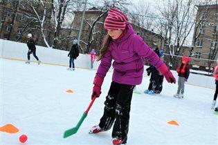 Лианозовский и Гончаровский парки готовят цикл спортивных семейных мероприятий: «Зимние забавы»
