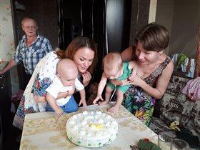 Кристине и Никите 1 год!