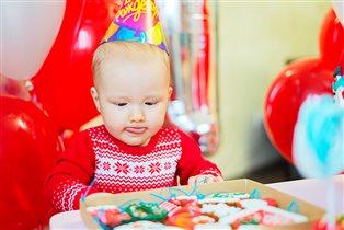 Есении 1 годик. Дубль 2 :)