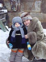 Снега много во дворе, весело всей детворе!