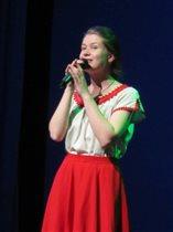 Поёт Анастасия Грошева