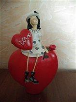 Девочка с сердечком)))