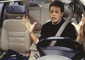 О чем не думает женщина за рулем