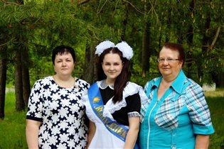 Конкурс 'Само очарование'. Бабушка, мама и дочь.
