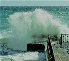 Черное море чуть-чуть неспокойно...
