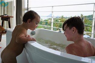 Лето,море, пальмы, ванна на балконе...