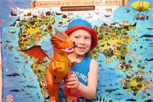 -'Мамочка , а где жили мои любимые динозавры'?