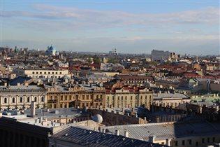 Вид с Исаакиевского собора. Там можно обнять небо.