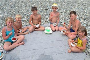 Полдник на пляже