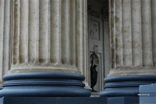 Креститель Руси в колоннах Казанского собора