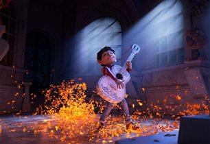 Анимационное приключение Disney/Pixar «Тайна Коко»: персонажи Мира живых и Мира мертвых – одна семья