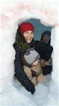 Мы в снежном домике )