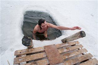 Как правильно подготовиться к купанию в проруби на Крещение