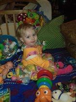 В окружении игрушек