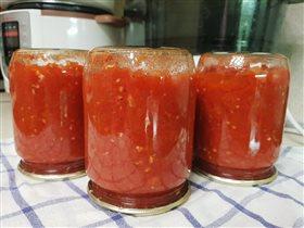 Томатный соус с яблоками и луком