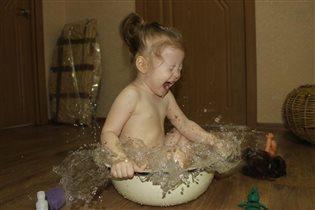 В мыле вся моя семья, хоть купаюсь только Я!!!